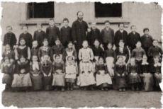 Schulklasse 1890, zum Vergrößern anklicken
